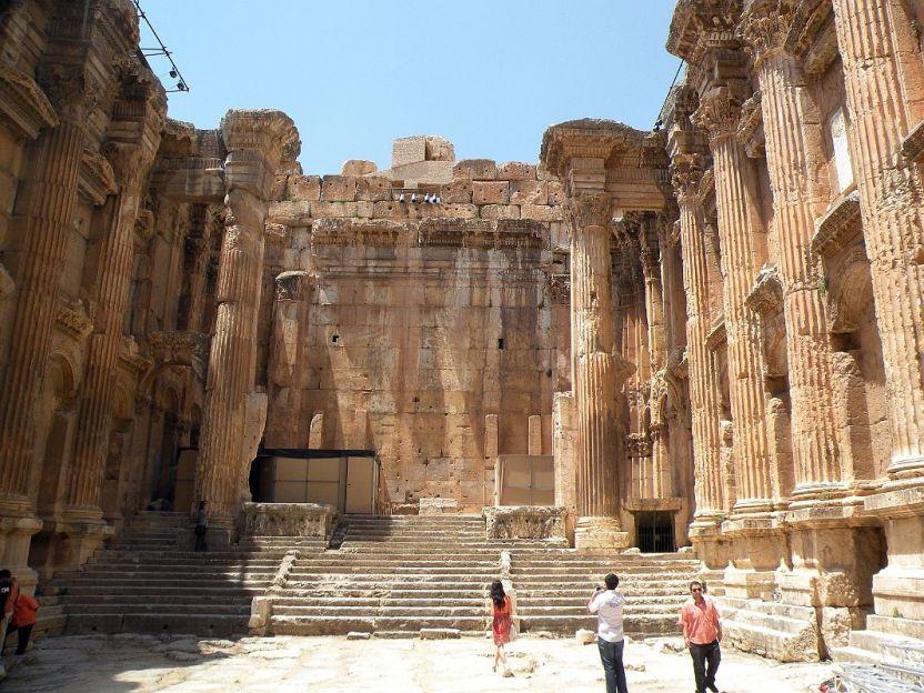 bekaa-valley-23-baalbek-temple-of-bacchus-interior